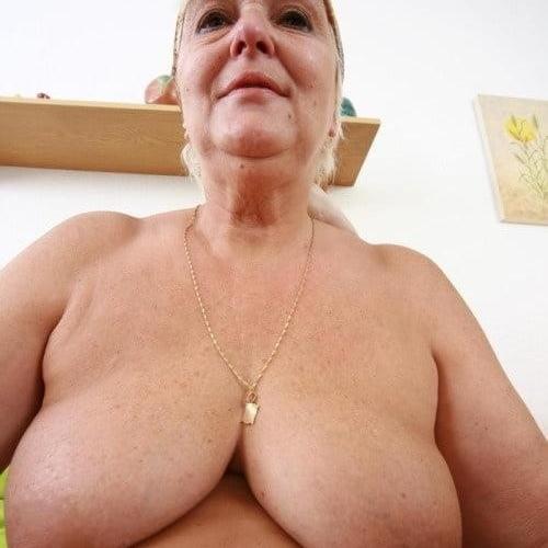 Sucking boobs xnxx