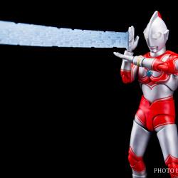Ultraman (S.H. Figuarts / Bandai) - Page 5 OXSvARsC_t