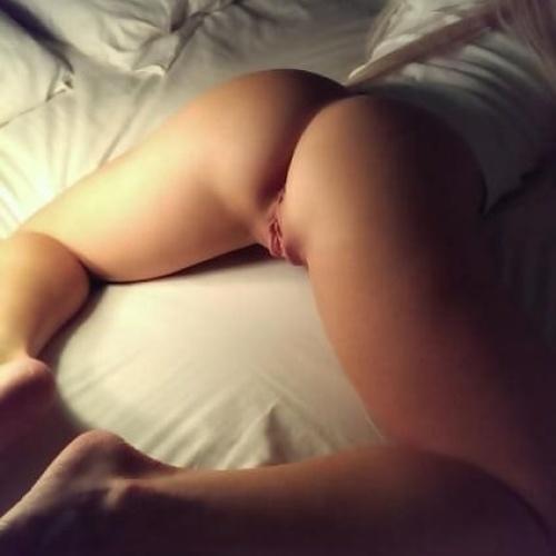 Oiled amateur anal