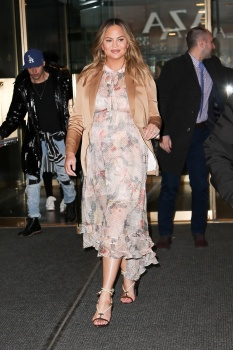 Chrissy Teigen leaving the Today Show in 5