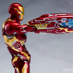 Iron Man (S.H.Figuarts) - Page 17 T55zh1f0_t