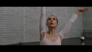 Natalie Portman / Mila Kunis / Black Swan / lesbi / sex / (US 2010) V0Vw3466_t