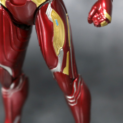 Iron Man (S.H.Figuarts) - Page 16 EZyPBoRr_t