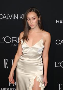Alycia Debnam-Carey - Elle Women in Hollywood, Los Angeles October 15 2018 A7QvXkDx_t