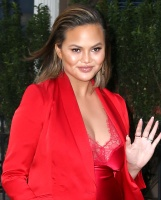 """Chrissy Teigen   -                Leaving For """"The Tonight Show"""" New York City January 30th 2018."""