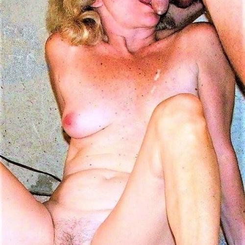 Naked sucking girls