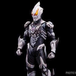 Ultraman (S.H. Figuarts / Bandai) - Page 7 GkOzUiIF_t