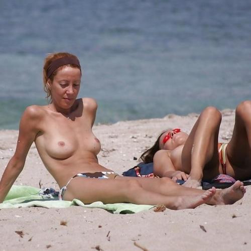 Beach big tits porn