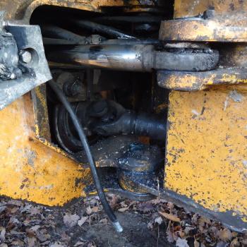 Traktor šumski LKT 81 T D9T1p8vT_t