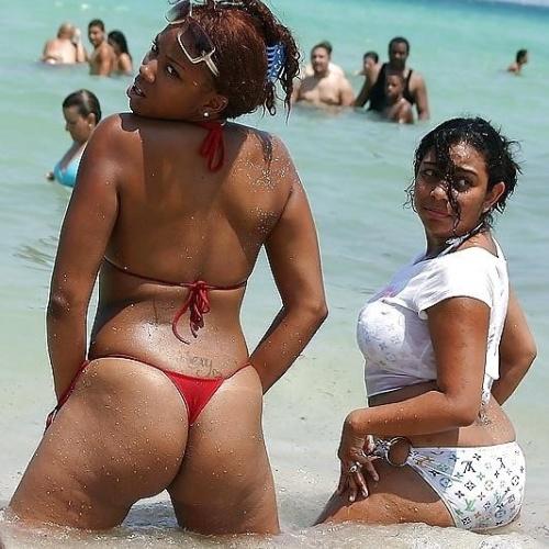 Ebony porn beach