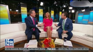 Trish Regan NICE Thighs 10-14-18 Caps and Video
