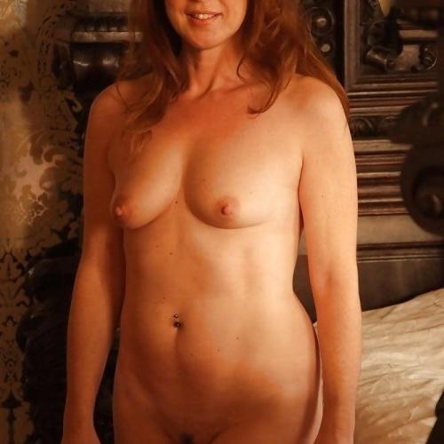 Gorgeous redhead milf