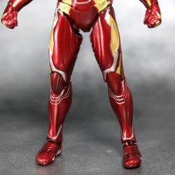 Iron Man (S.H.Figuarts) - Page 16 DxkYnyMp_t