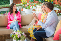 Erin Krakow - Hallmark's Home & Family 11.4.2018 Stills + 1080p WEB-DL