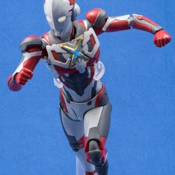 Ultraman (S.H. Figuarts / Bandai) - Page 6 CNxrNnRE_t