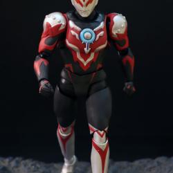 Ultraman (S.H. Figuarts / Bandai) - Page 6 KrgVKKeP_t