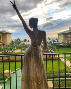Olivia Culpo - Celebrating Birthday wearing a Sexy dress in Maui, Hawaii