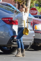 Rachael Leigh Cook - Shopping in Studio City 11/23/2019