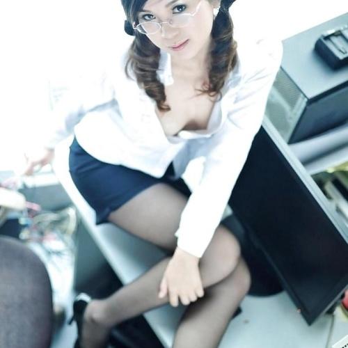 Nude secretary pics