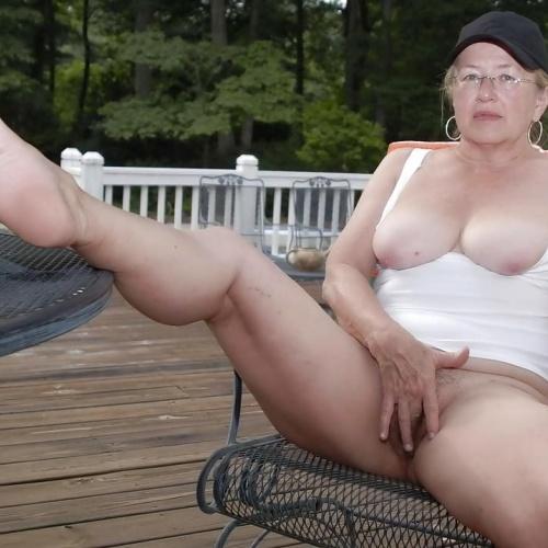 Chubby mature granny