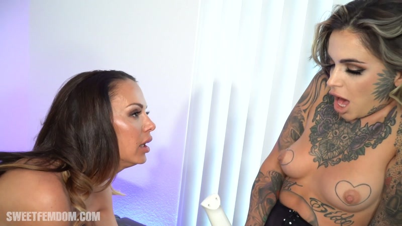 (Big Tits, Pantyhose Smothering and Ass Play)  of (She Owns Your Manhood) studio [FullHD 1080P]