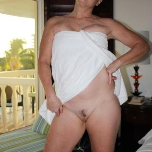 Bubble butt blonde anal