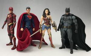 [Comentários] DC Comics S.H. Figuarts - Página 2 NuiVIGQL_t