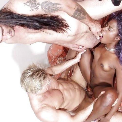 Ebony threesome porn pictures