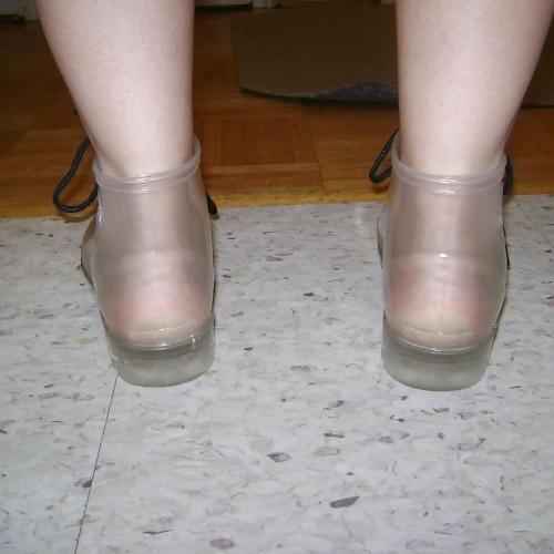 Lightweight short rain boots
