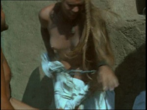 Pam Grier / Margaret Markov / others / The Arena / nude / topless / (US 1973)  JF73lVab_t