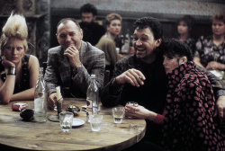 Красная жара / Red Heat (Арнольд Шварценеггер, Джеймс Белуши, 1988) - Страница 2 KKij6CuT_t