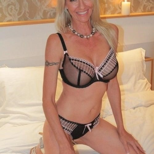 Nude mature milf pictures