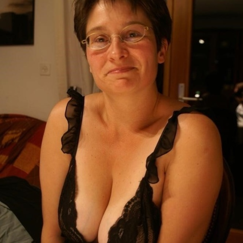 Mature boobs nude
