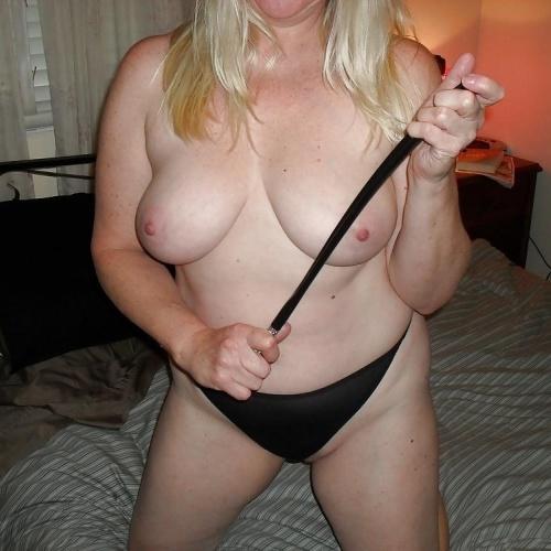 Mature blonde pussy