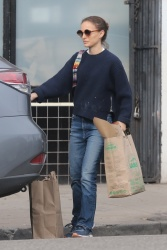 Natalie Portman - Grocery shopping in Los Feliz 01/28/2019