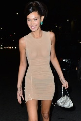 Bella Hadid Leaving a Party in NYC - 11/8/2018 KoDcbFPZ_t