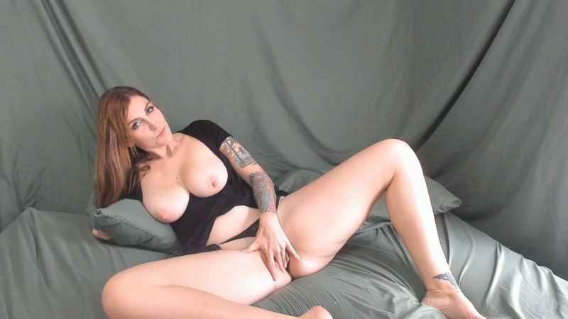 Kelly Payne - Its okay let step-mommy help with your boner [FullHD 1080P]