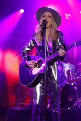 ZZ Ward - Jimmy Kimmel Live: January 29th 2018