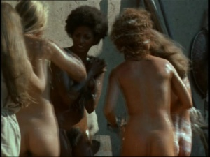 Pam Grier / Margaret Markov / others / The Arena / nude / topless / (US 1973)  ArILA9Ge_t