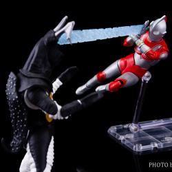 Ultraman (S.H. Figuarts / Bandai) - Page 5 EEgu1SnM_t