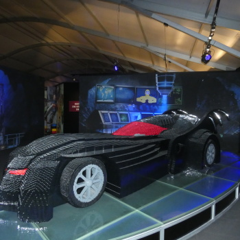 Exposition «The Art of the Bricks / DC Super Heroes» HL3PFbpn_t