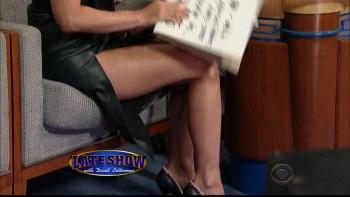 OLIVIA MUNN - *thigh show spectacular* - letterman - Dec 10, 2014 B439FS5o_t