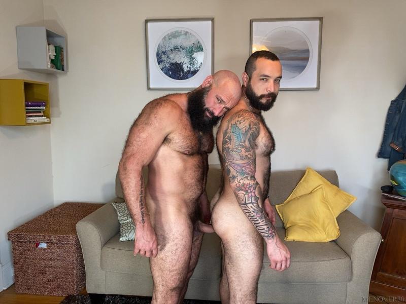 PrideStudios: Julian Torres, Alex Tikas – Furry Beefy Fuckers (Bareback)