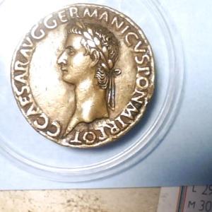 Padouan Caligula ORFA5zeE_t
