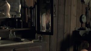Angela Sarafyan / Evan Rachel Wood / Westworld S01Ep01 / topless / (US 2016) XMjBhIBo_t