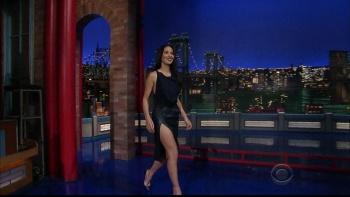 OLIVIA MUNN - *thigh show spectacular* - letterman - Dec 10, 2014 WWq2YPDW_t