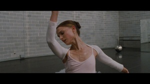 Natalie Portman / Mila Kunis / Black Swan / lesbi / sex / (US 2010) HGTji4p9_t