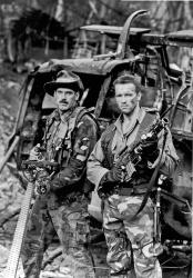 Хищник / Predator (Арнольд Шварценеггер / Arnold Schwarzenegger, 1987) - Страница 2 M8SA7HYD_t