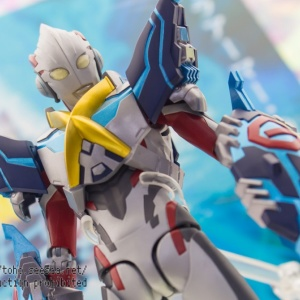 Ultraman (S.H. Figuarts / Bandai) - Page 5 TbCTxQce_t