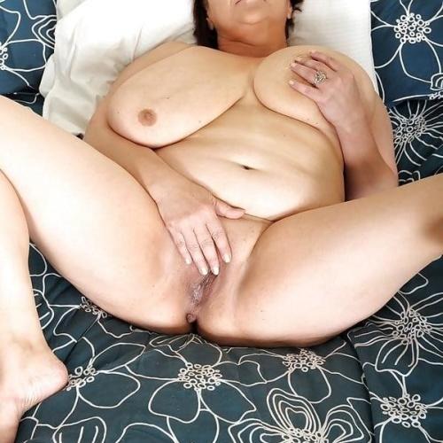 Free mature nude pics